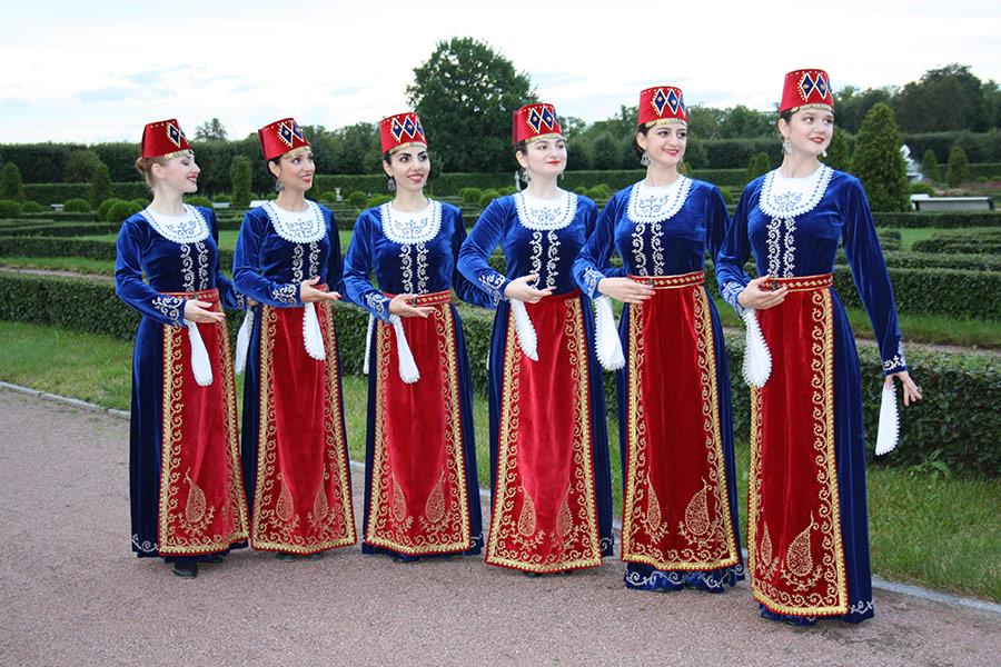 Выступление ансамбля АрмСтайл в Стрельне. Фото 3
